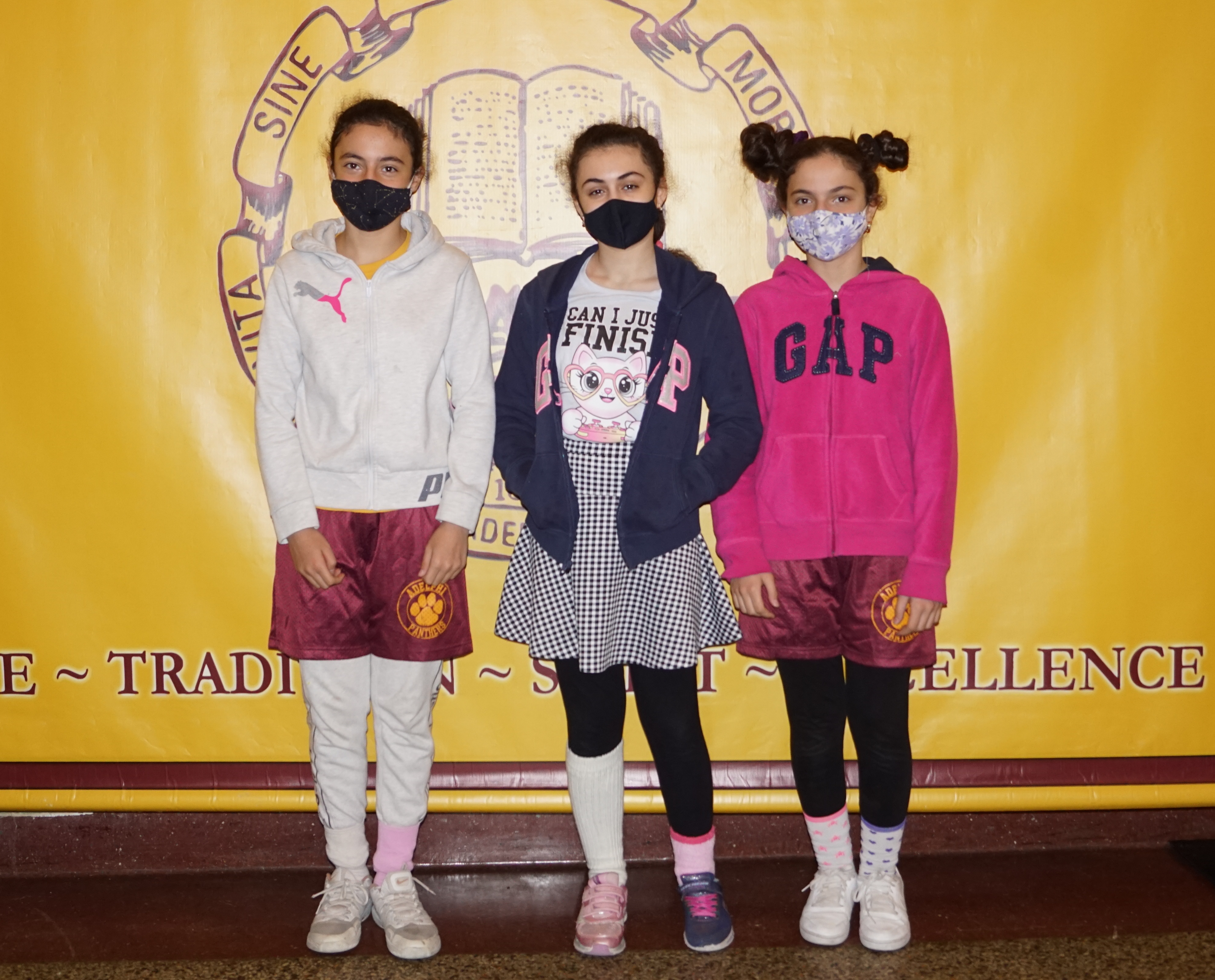 Student Advisory Board members welcome Adelphians back to school!
